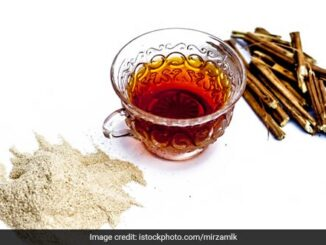 How To Make Turmeric-Ashwagandha Tea For Immunity And Weight Loss